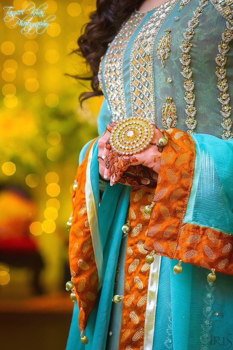 Pin mehndi and bangles display pics awesome dp wallpaper on pinterest - Photography By Tanzeel Khan