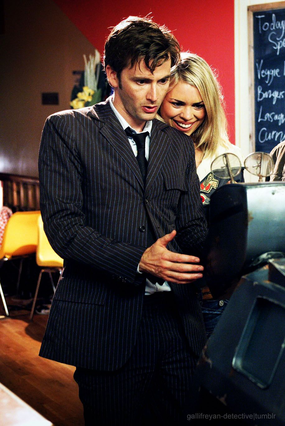 David Tennant (Ten) with Billie Piper (Rose) Doctor who