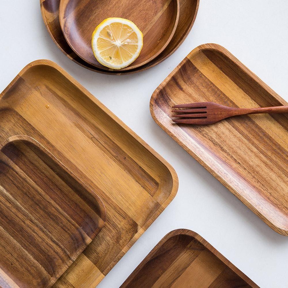 Plat japonais en bois Wooden plates, Wood platter, Dinner pl