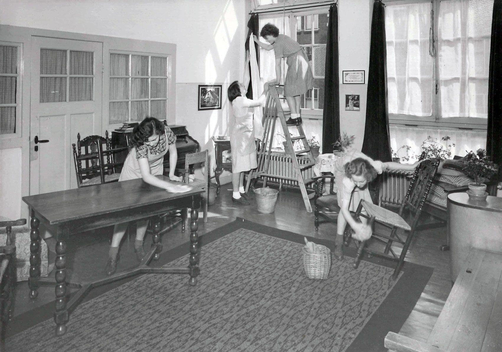Je huis schoonmaken vroeger en nu searching for Interieur van nu