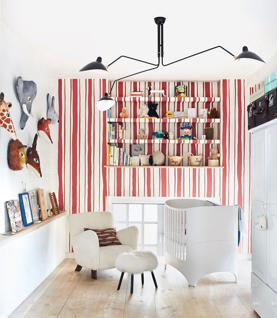 New Favorite Way To Hang Wallpaper Over Built In Shelves We Re Especially Loving The Idea In Eagletta S Nursery Tap The In 2020 Kid Room Decor Cool Kids Rooms Room