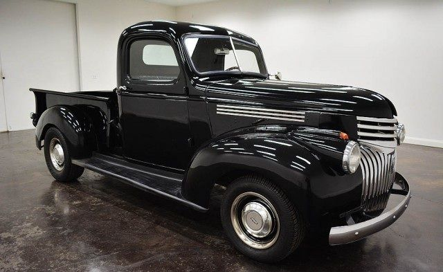 1942 Chevrolet Pickup color black inside and black on the outside with two doors, Transmission : Automatic Turbo 350 and an engine: 406 Small Block Chevy and 42899000 with 15-inch wheels ; Wine used : 5BK091951 with non- matching numbers  This vehicle is available for sale , contact us on: www.misterdeals.com / or call us on: 08-05-08-02-81 if you are interested in this vehicle .  Our prices are : 24.499 euros