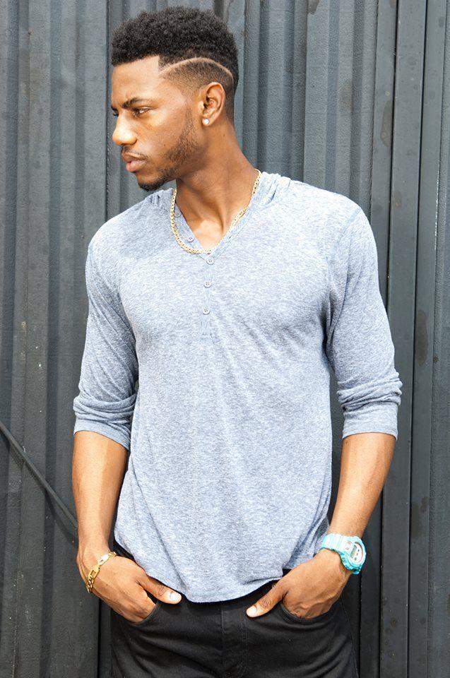 Coupe de cheveux a la mode homme afro