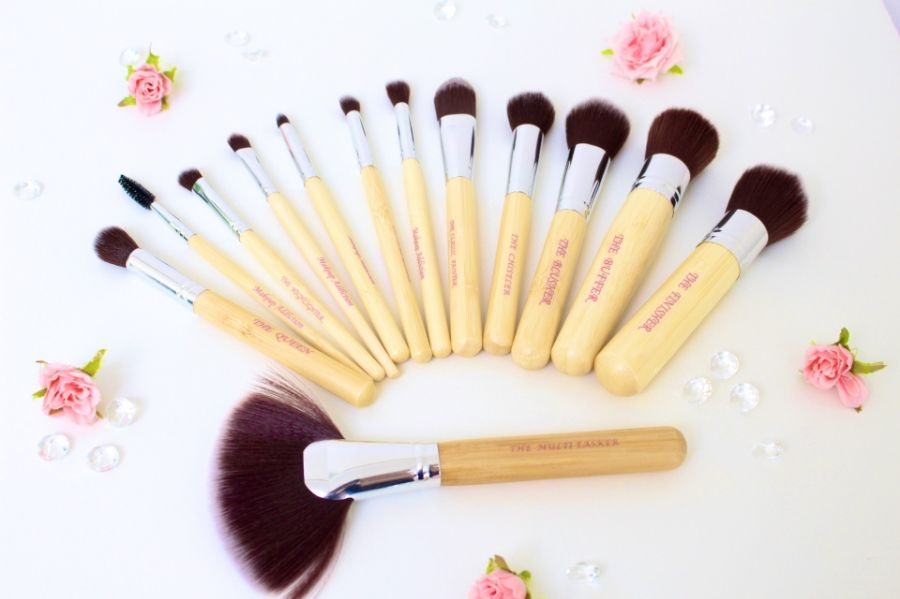 What a lovely picture of out brushes by The Lipstick Jungle ...