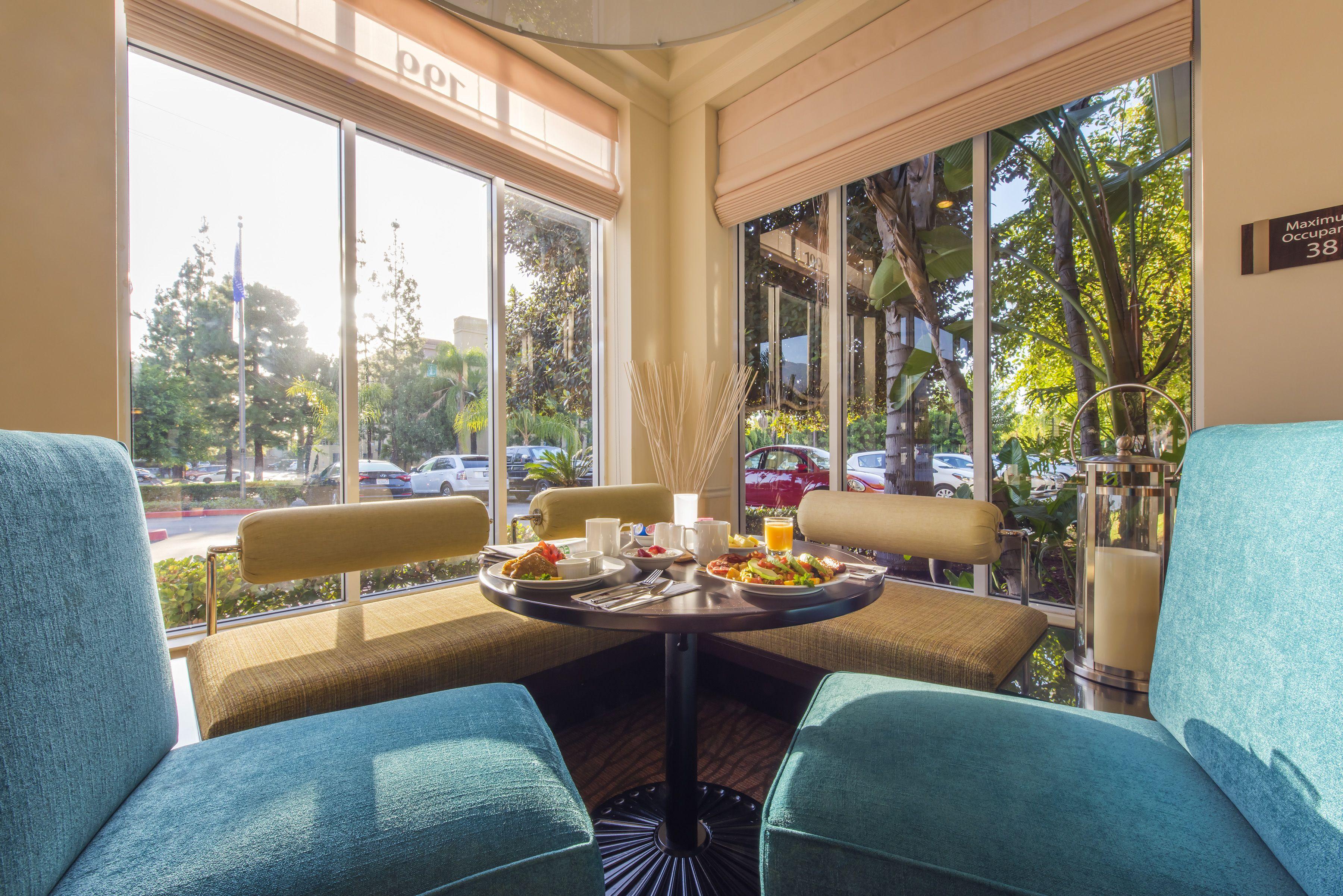 Cozy breakfast noon taking advantage of sunshine and shadows for inviting hotel photography for Hilton Garden Inn Arcadia/Pasadena.