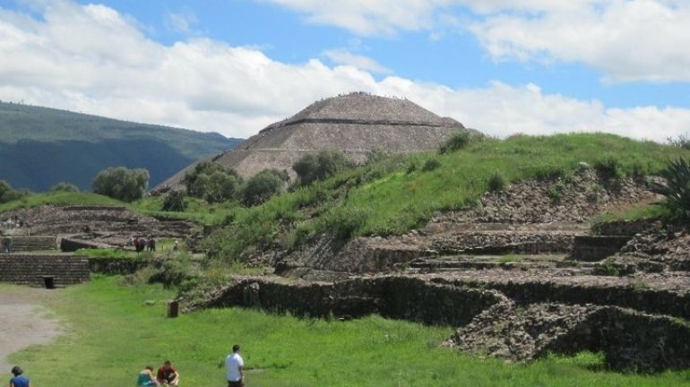 Photo Of Teotihuacan Pyramids And Shrine Of Guadalupe Mexico City Tours Mexico City Mexico
