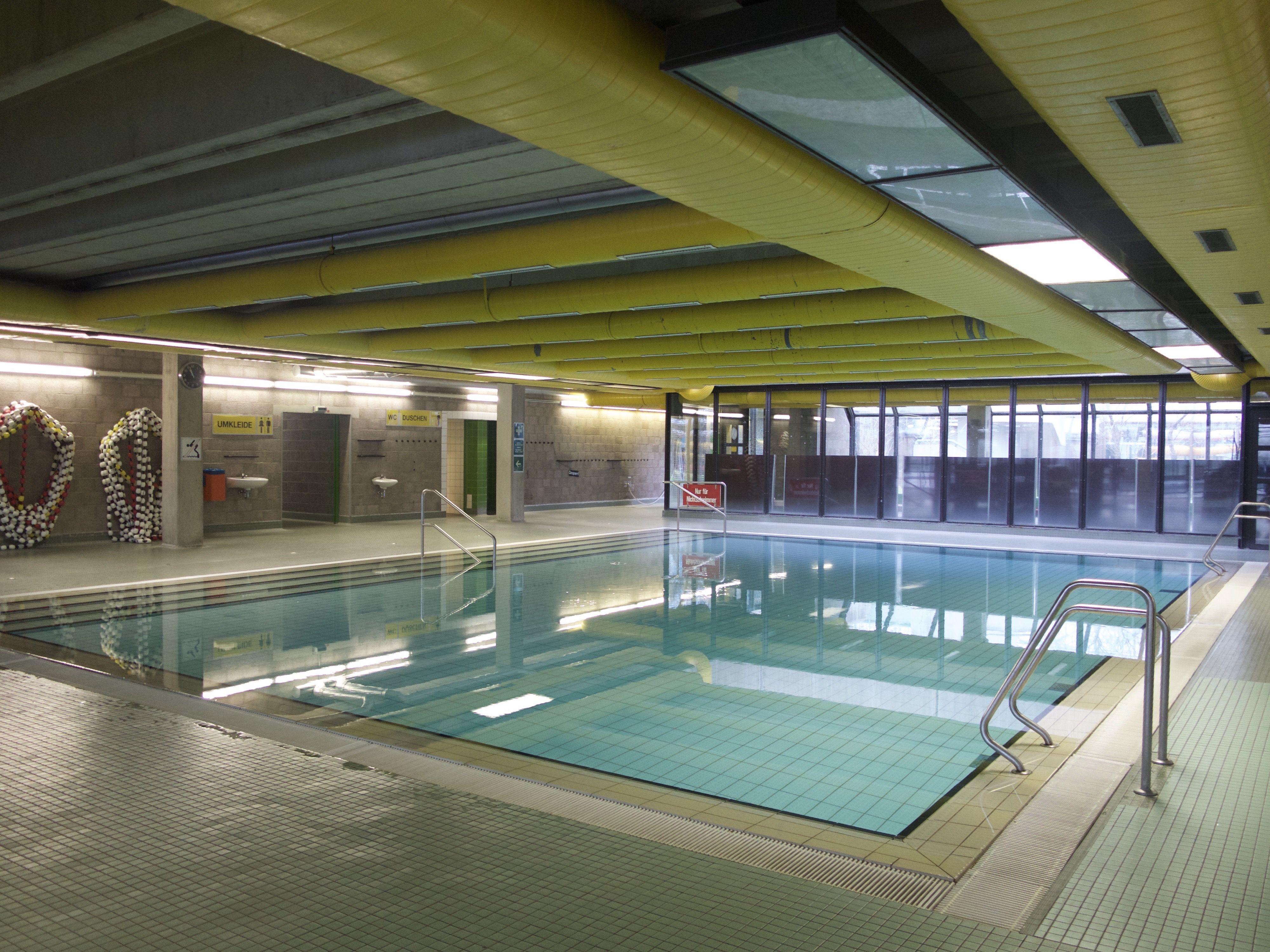 Bildergalerie b rgerinitiative pro unibad schwimmbad for Finckensteinallee schwimmbad