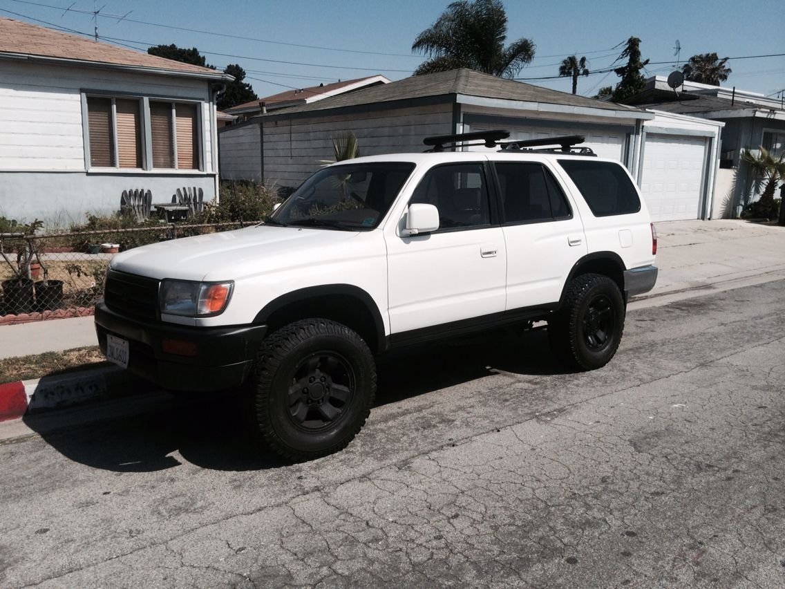 97 4runner 4x4 Looks Like A Body Lift But It S Just A Trim Paint Job 4runner 2000 Toyota 4runner Toyota Girl