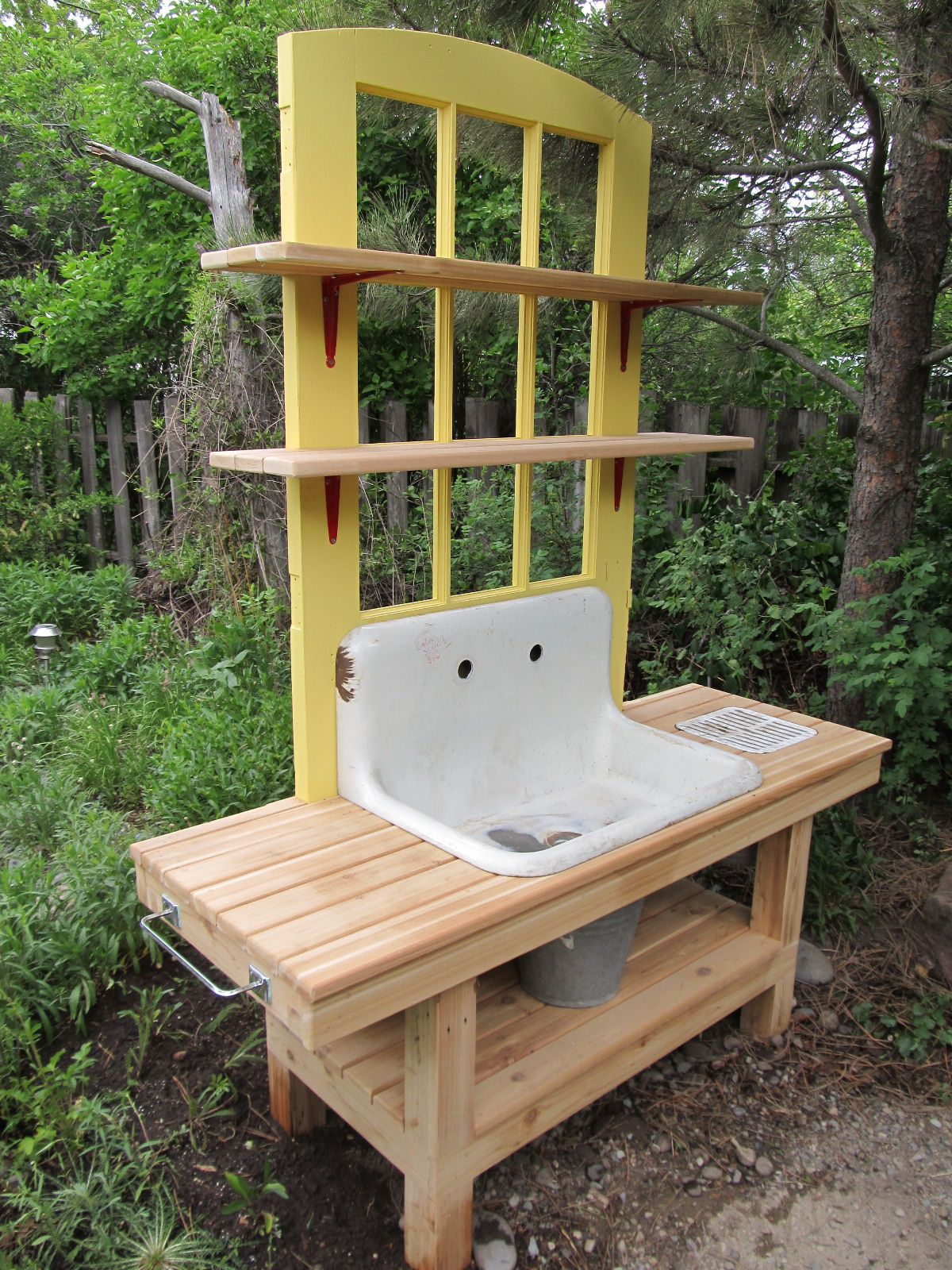 Montana Wildlife Gardener Repurposed potting bench garden