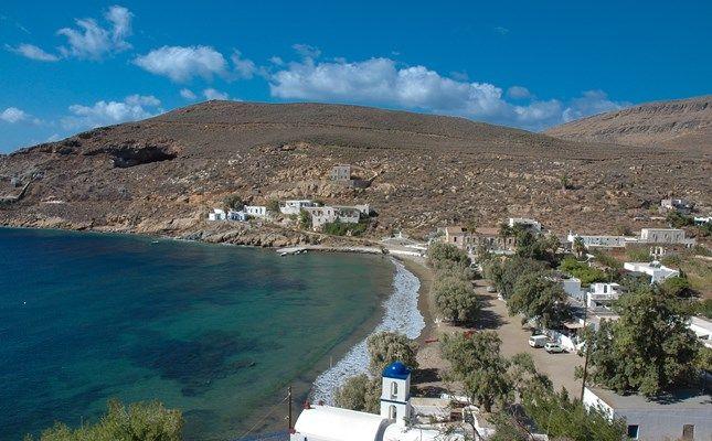 Το Μεγάλο Λιβάδι, γραφικός παραθαλάσσιος οικισμός, άλλοτε κύριο εξαγωγικό λιμάνι του σιδηρομεταλλεύματος του νησιού! http://diakopes.in.gr/afieromata/dutikeskyklades/article/?aid=208338 #travel #greece #island #serifos