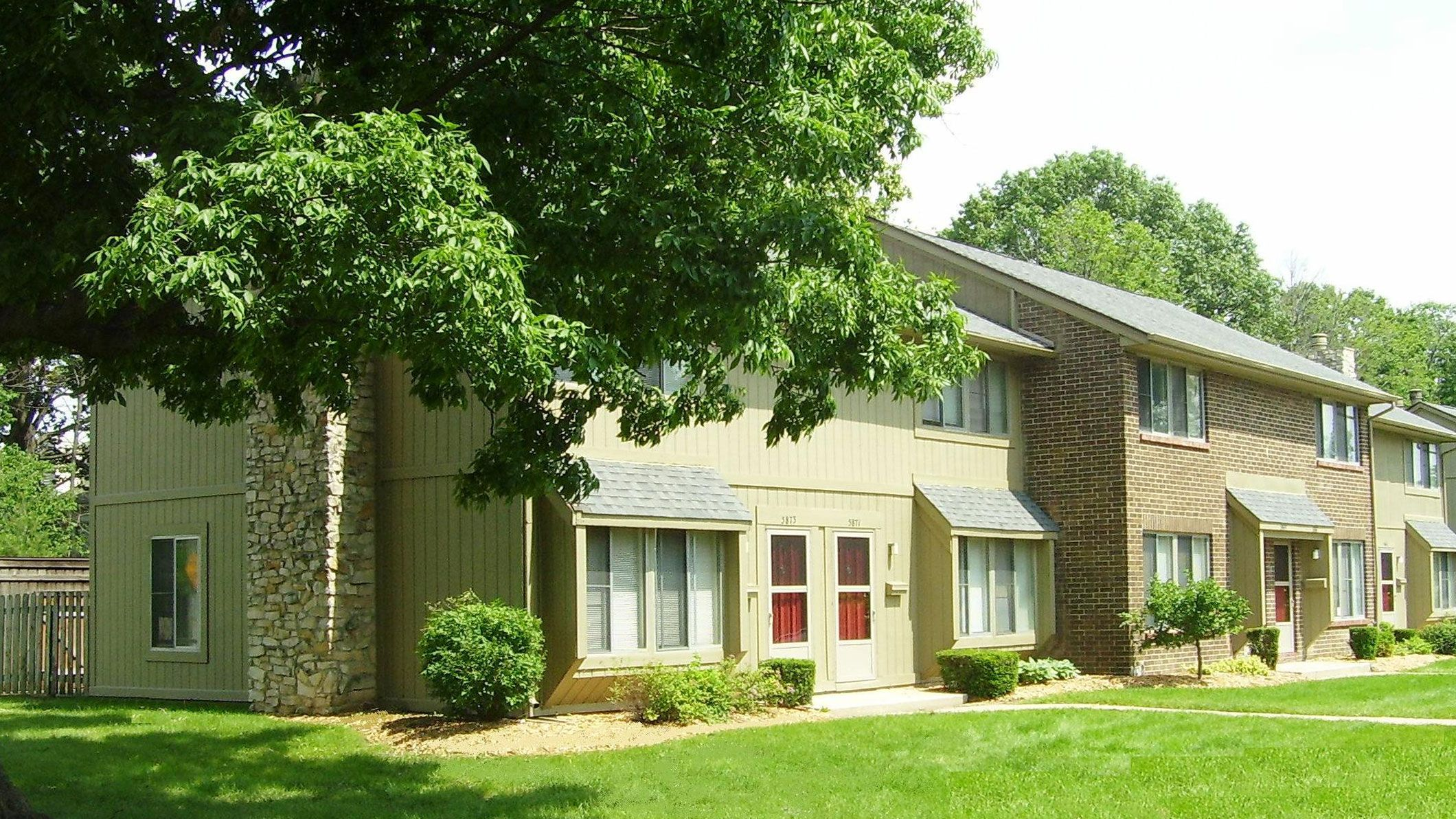 The Woods Of Eagle Creek Apartments For Rent In Indianapolis Indiana Minutes From Eagle Creek Park This Apartments For Rent Shopping Center Butler University