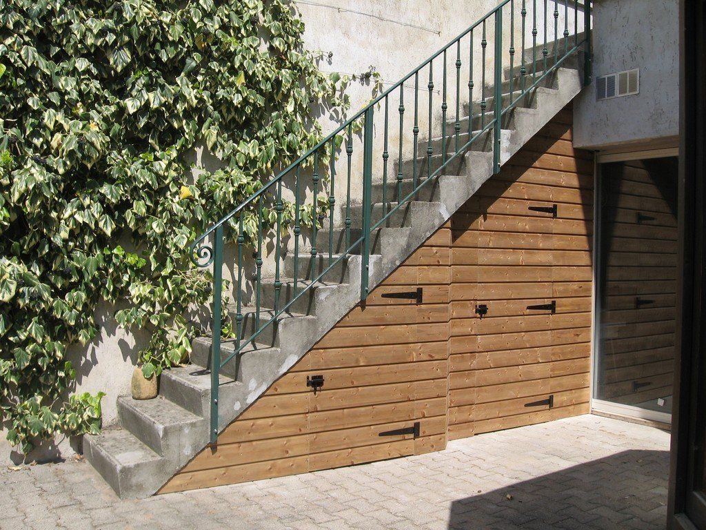 Resultat De Recherche D Images Pour Niche Sous Escalier Exterieur Escalier Exterieur Habillage Escalier Escalier