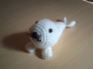 AMIGURUMIS AMOROSOS: Foquita blanca bebé amigurumi