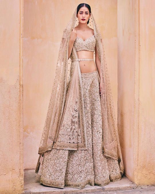 bollywood passion arabic gala weeding | Indian lenghas | Pinterest ...