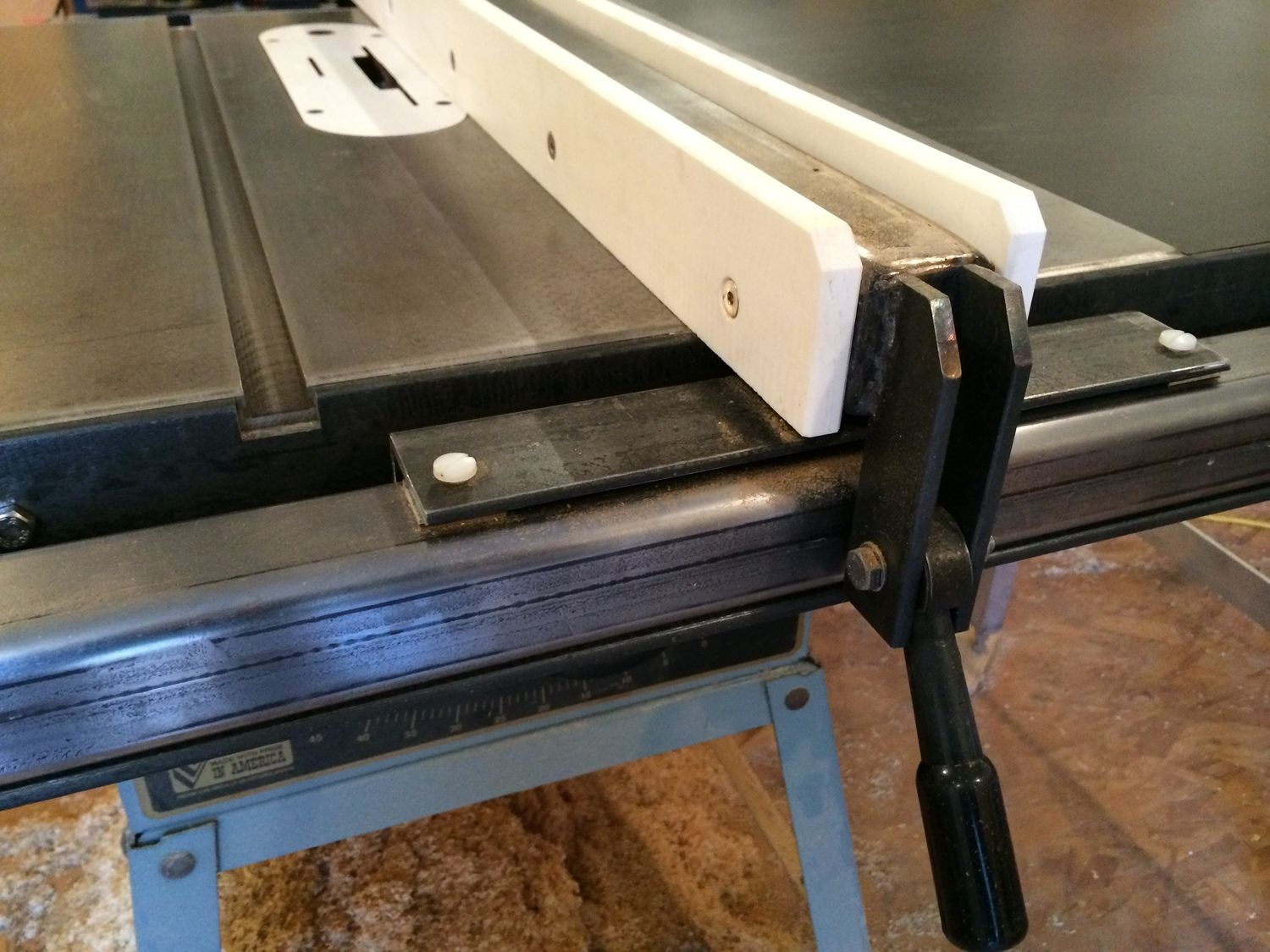 Biesemeyer style table saw fence Table saw fence, Diy