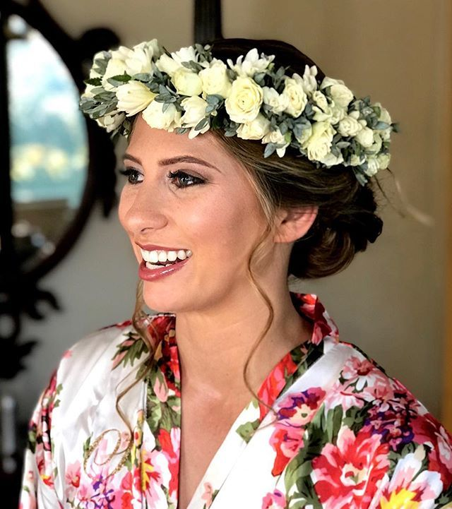 Hawaiian Wedding Hairstyles: Gorgeous Maui Wedding Hairstyle With A Flower Crown For