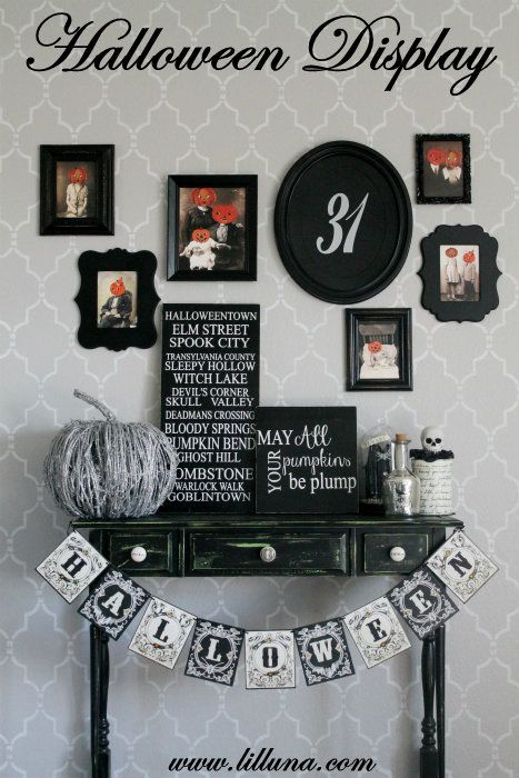 Halloween Tablescape and Gallery WallPlus free vintage Halloween pics for FREE - LOVE it! #halloween