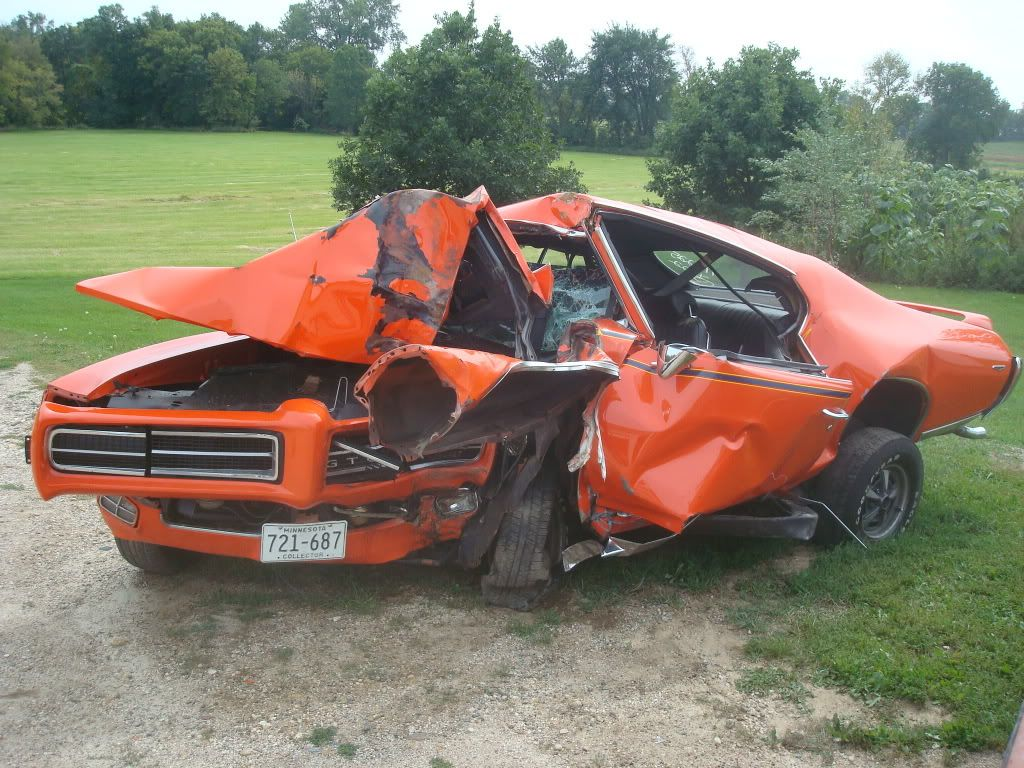 Gto Show Cars Wrecked Gto Judge Ls1gto Com Forums That Had To Hurt Wow Ouch Cars Muscle Cars Drag Cars