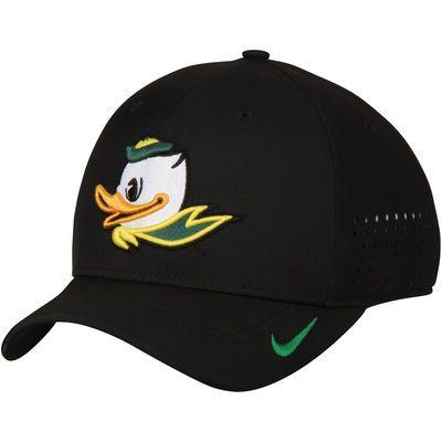 a51fa221dc794 Men s Nike Black Oregon Ducks Sideline Vapor Coaches Performance Flex Hat