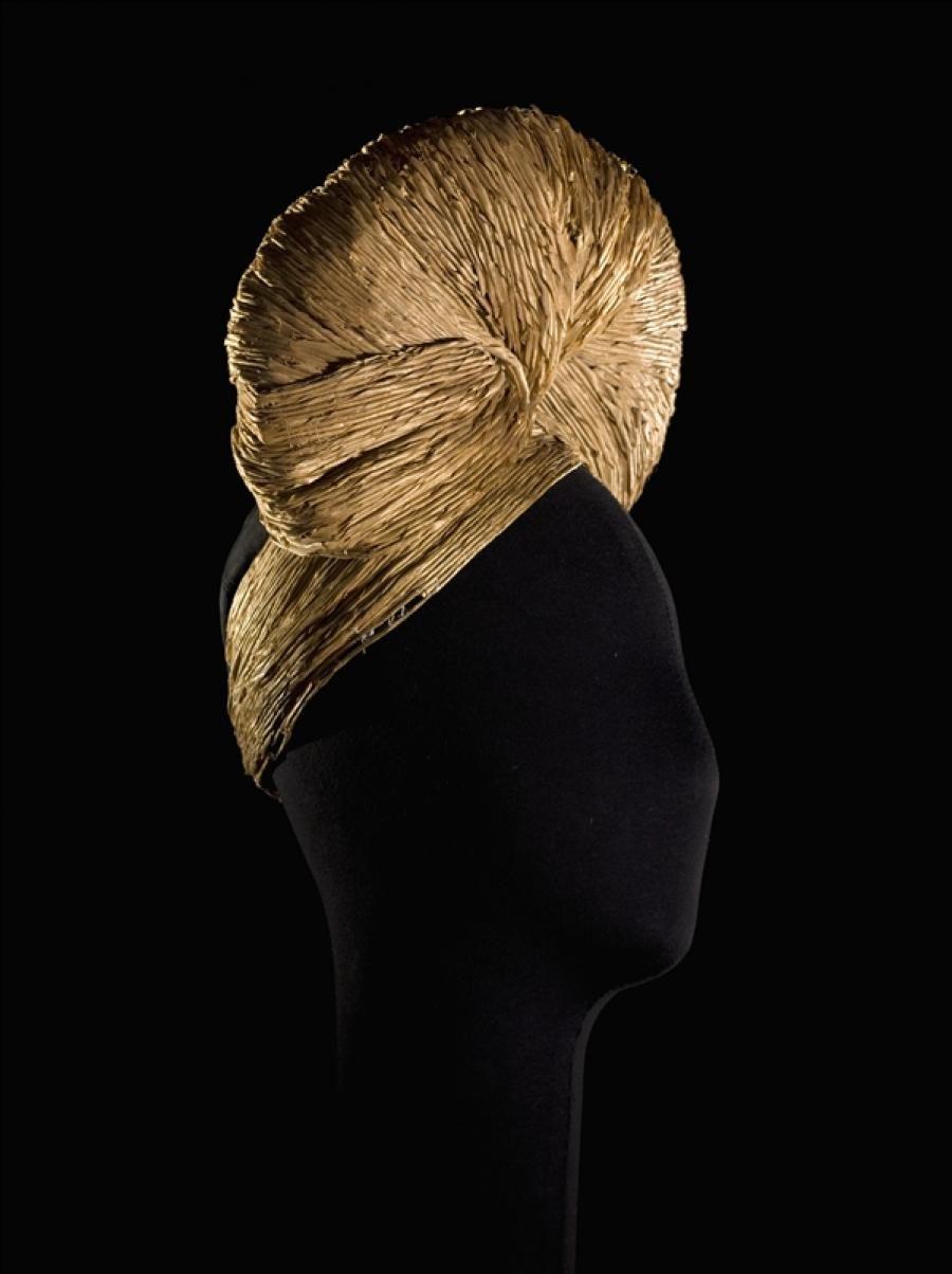 Turban | House of Lanvin | France | 1942 | straw string, taffeta | Palais Galliera, musée de la Mode de la Ville de Paris | Museum #: GAL1979.95.1