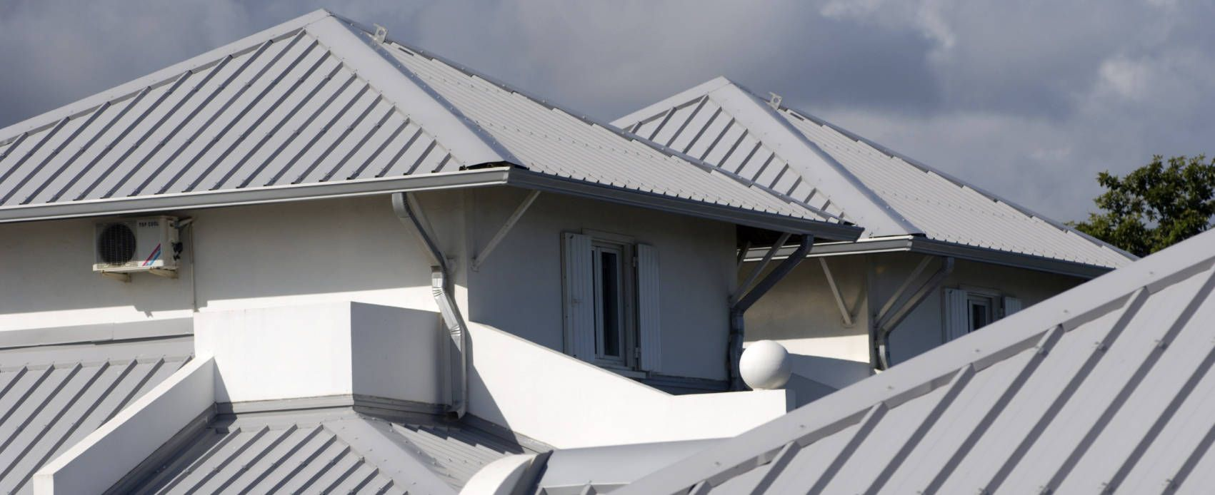 Metal Roofing El Paso Tx In 2020 Metal Roof Colors Roof Restoration Roof Design