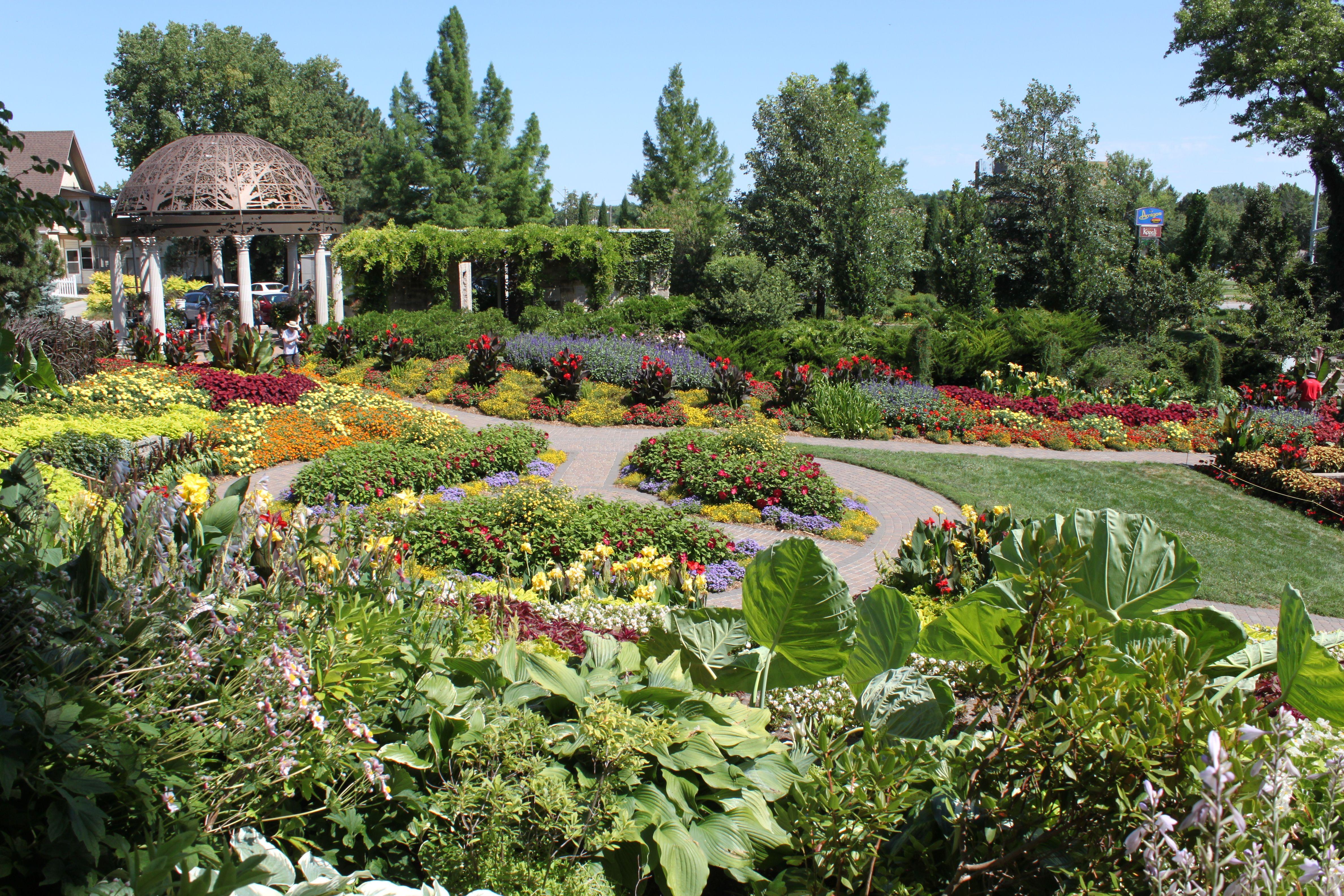 Sunken Gardens in Lincoln, Nebraska Sunken garden
