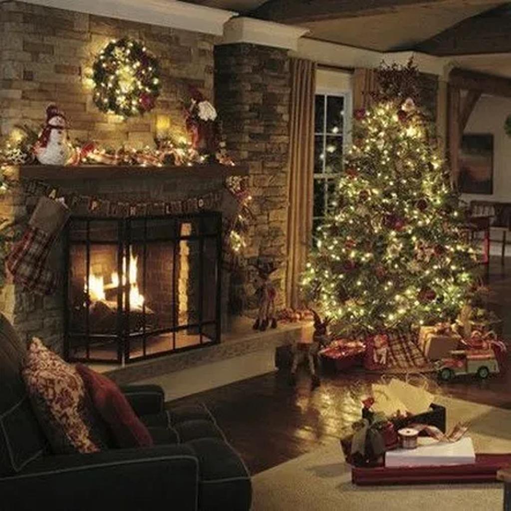 30 The Best Mantel Christmas Decor Ideas You Never Seen