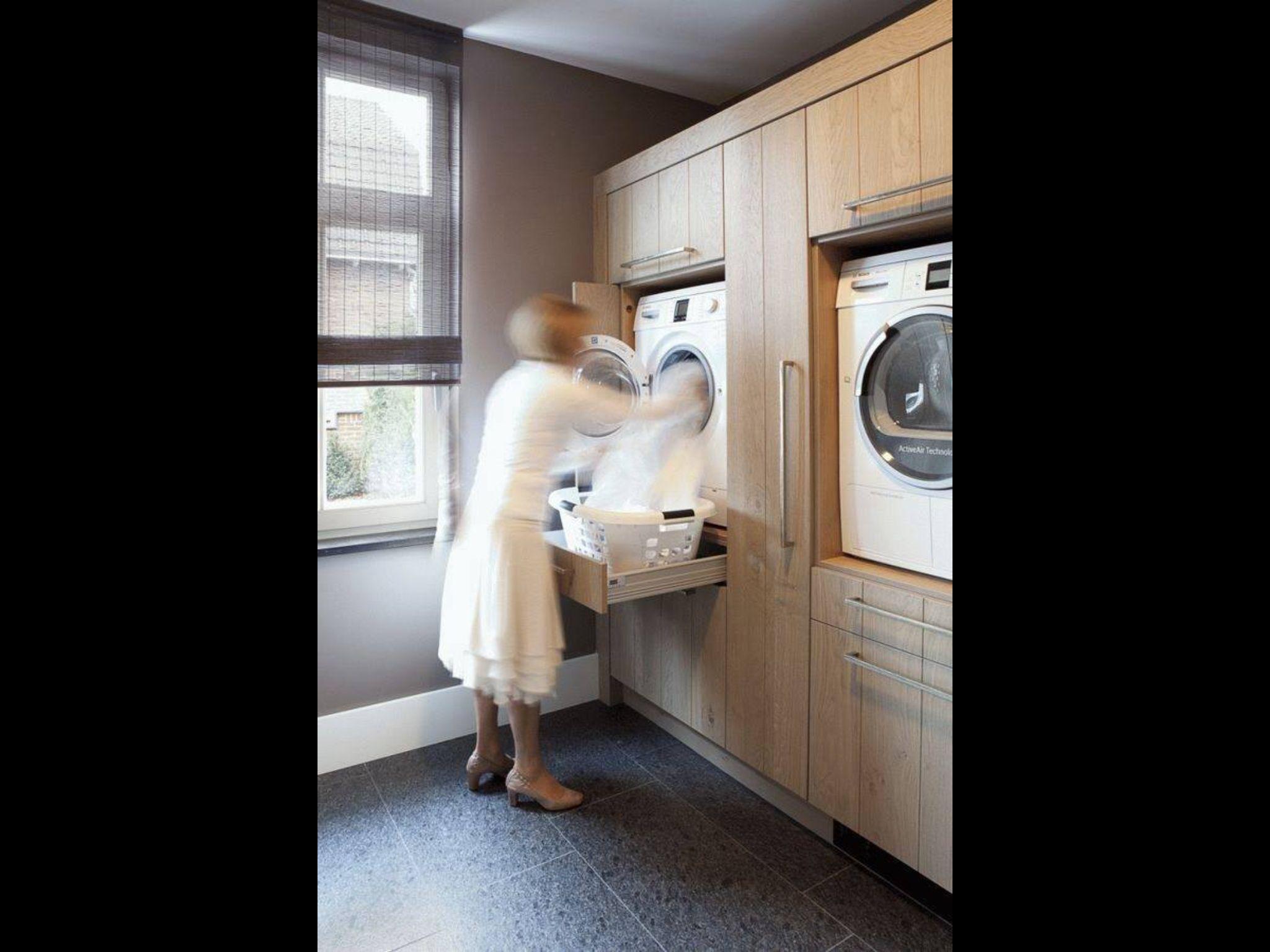 machine laver en hauteur plus le tiroir pour la manne linge bonne id e rangement. Black Bedroom Furniture Sets. Home Design Ideas