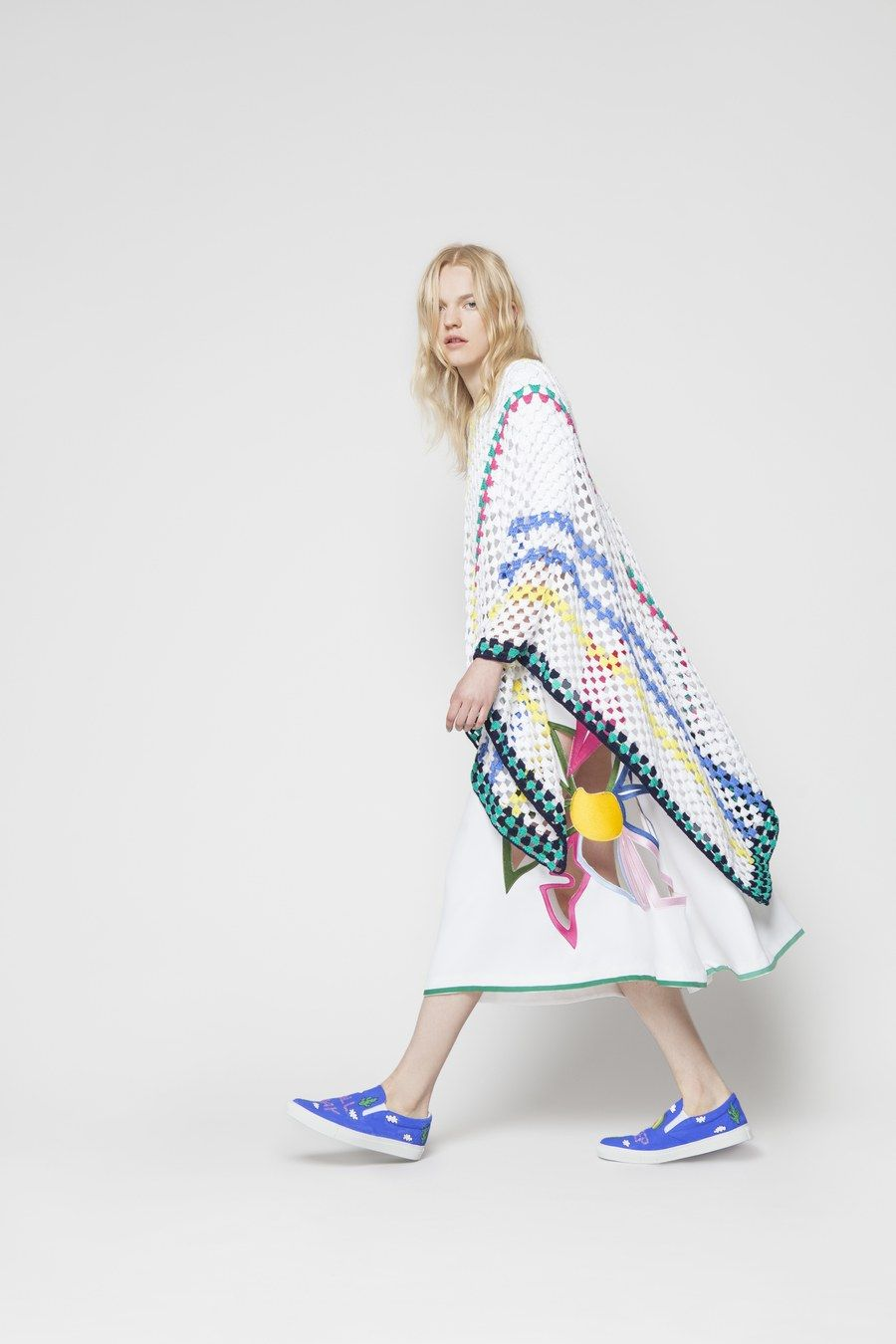 See the complete Mira Mikati Spring 2016 Ready-to-Wear collection.