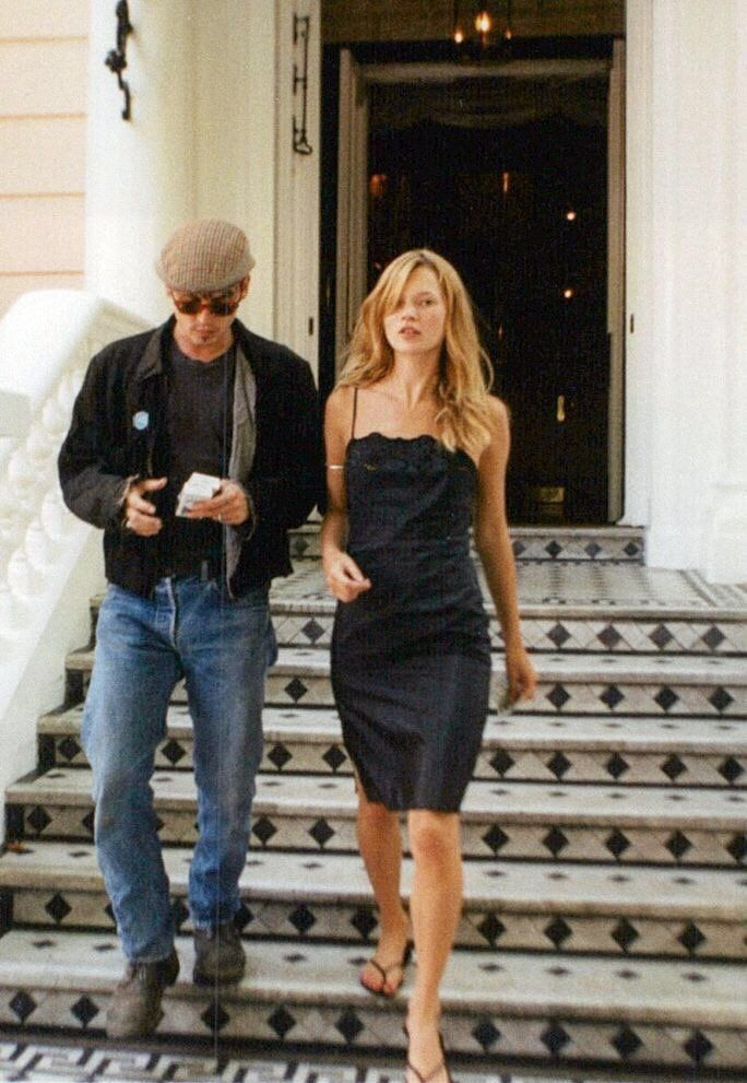 0d63de37dd16c0 @kirahtianga Kate Moss Style, Kate Moss Body, Kate Moss Hair, Moss Fashion