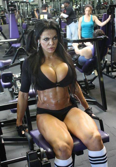 Fitness Model Huge Tits Workout On Webcam