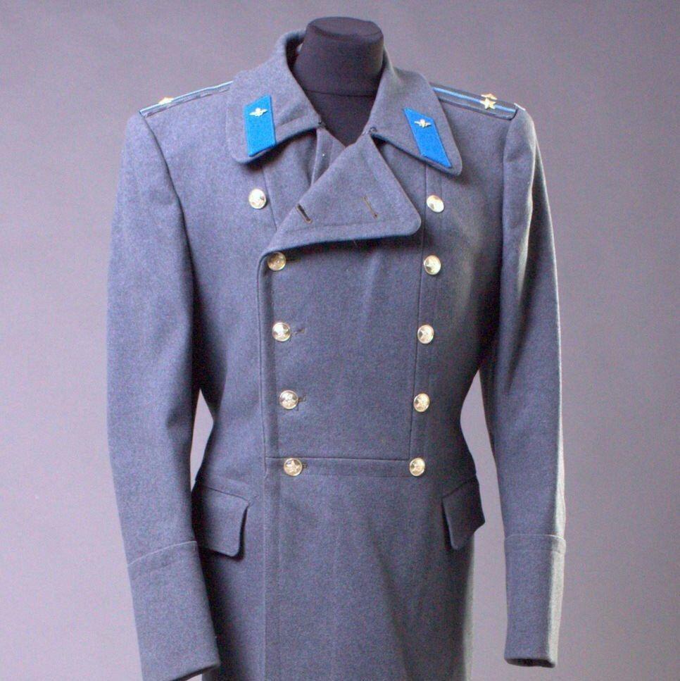 35b2bd2d01 Wool gray Soviet military greatcoat officer men's coat | Clothing in ...