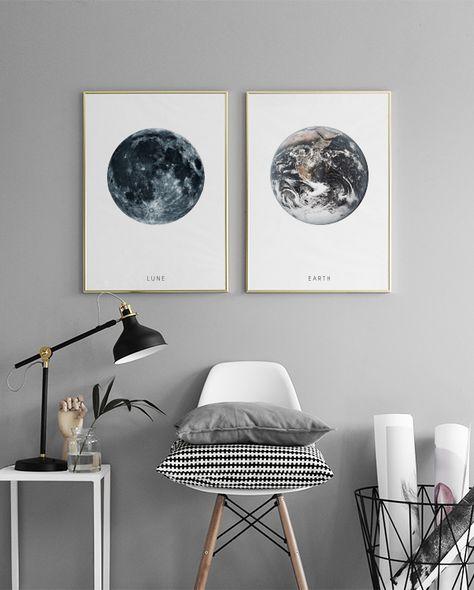 Poster mit Kunstmotiven in einer schönen Bilderwand im Schlafzimmer ...