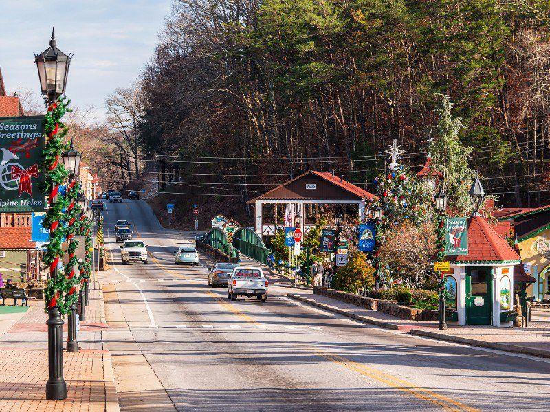 10 Fun and Festive Christmas Towns in Georgia Georgia Pinterest