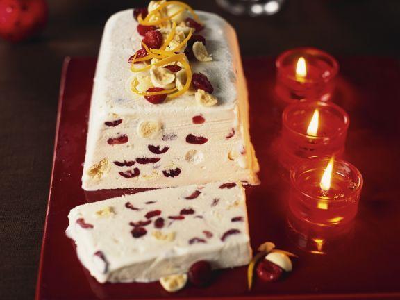 Weißes-Schokoladenparfait mit Cranberrys ist ein Rezept mit frischen Zutaten aus der Kategorie Parfait. Probieren Sie dieses und weitere Rezepte von EAT SMARTER!