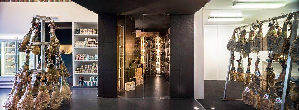 Decoracion de tienda jamones - Diseño de interiores en Sevilla ...