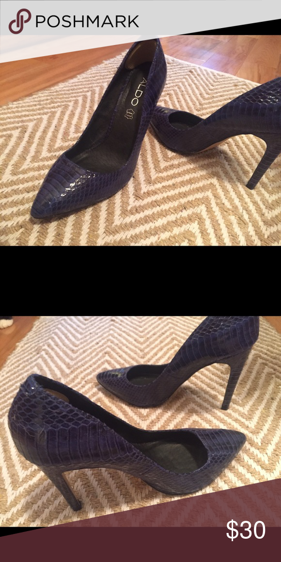 63fac429b65 Aldo shoes Blue snake skin sexy shoe size 7.5. These shoes are hot ...