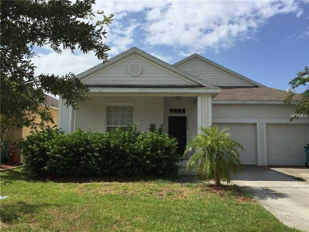 Beautiful 4 bed/2 bath Orlando home for rent in a