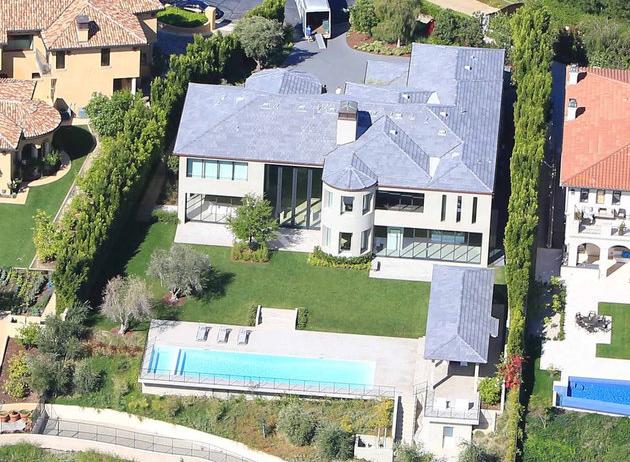 Kim Kardashian Kanye West Where Do The Kardashians Live Mansions Kris Jenner House Kardashians House
