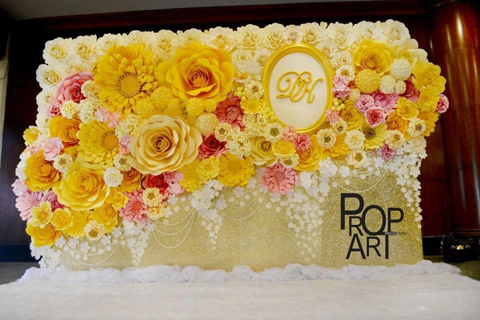 wedding paper flowers wall #wedding #paperwedding #paperflowers ...