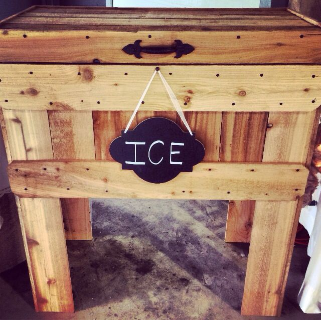 Patio Gifts For Dad: Homemade Rustic Ice Chest. #burlapandlace #fallwedding