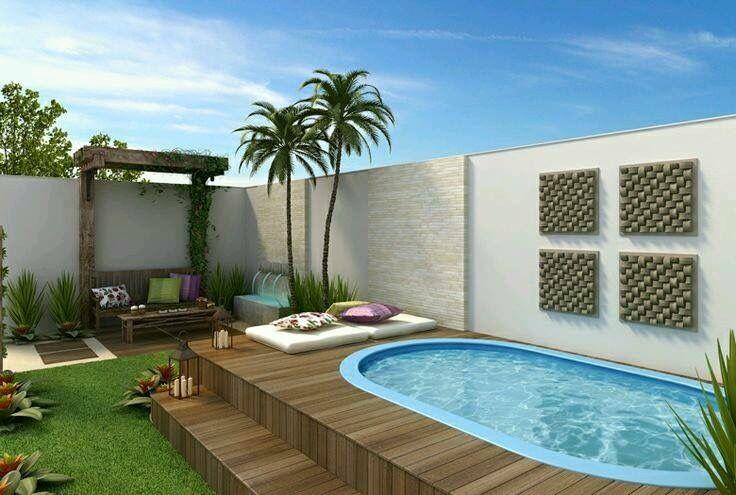 Piscina peque a con deck de madera hermoso c lido bello for Decoracion de jardines con piscinas pequenas