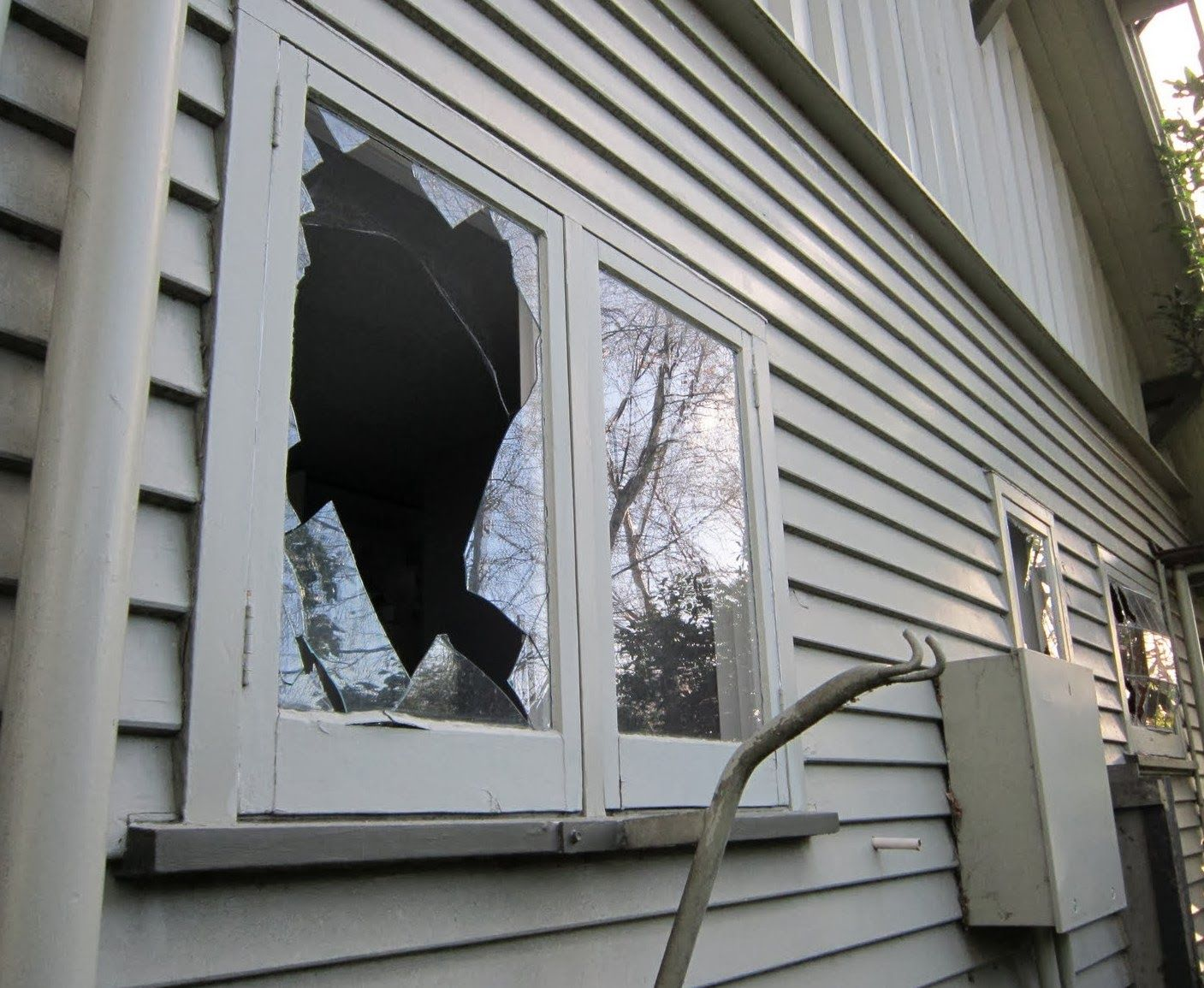 How To Repair Cracked Glass Windows Window Glass Repair Broken Window Glass Repair