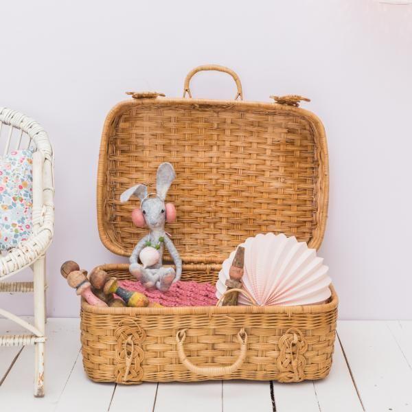 valise en osier vintage shop le petit florilege pinterest chambre b b chambre et. Black Bedroom Furniture Sets. Home Design Ideas