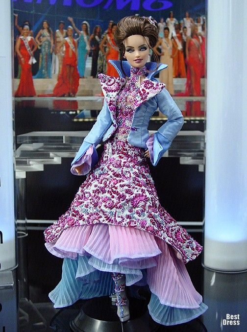Ninimomo's Barbie.  Americas (North, Central, South).  2009/2010  Miss Falkland Islands (Dress Zuhair Murad)
