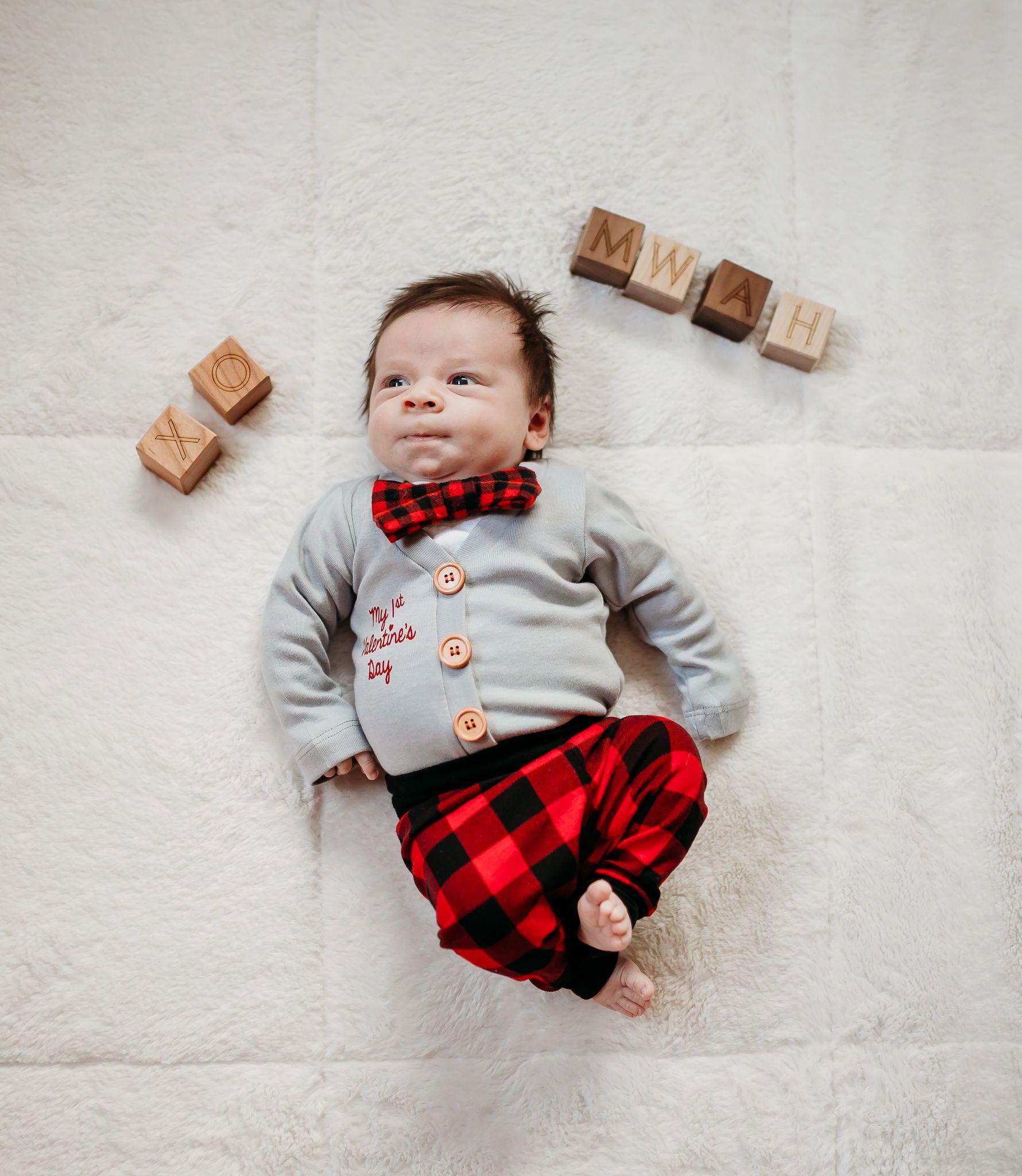 Custom Childs Name Boys Or Girls Newborn 24 Months Personalized Baby Boy Valentine Heart Trucks Valentines Day Baby Onesies/® Bodysuit