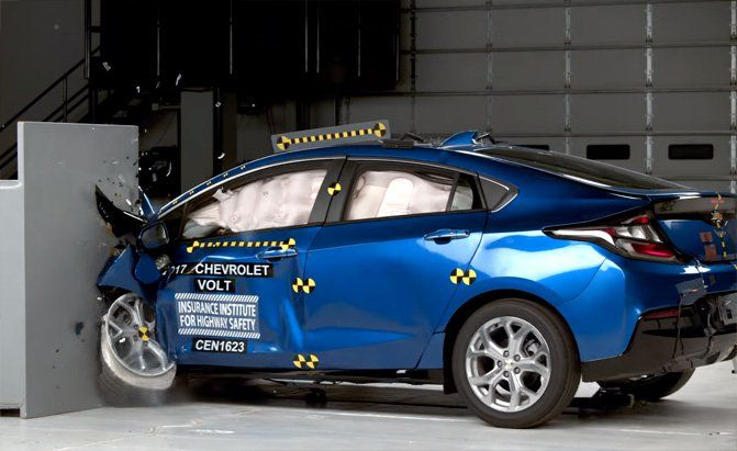 2017 Chevrolet Volt Earns Top Safety Marks From Iihs Chevrolet Volt Chevrolet Chevy Volt