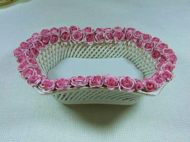 Superb Fancy Shape Latice & Roses Basket