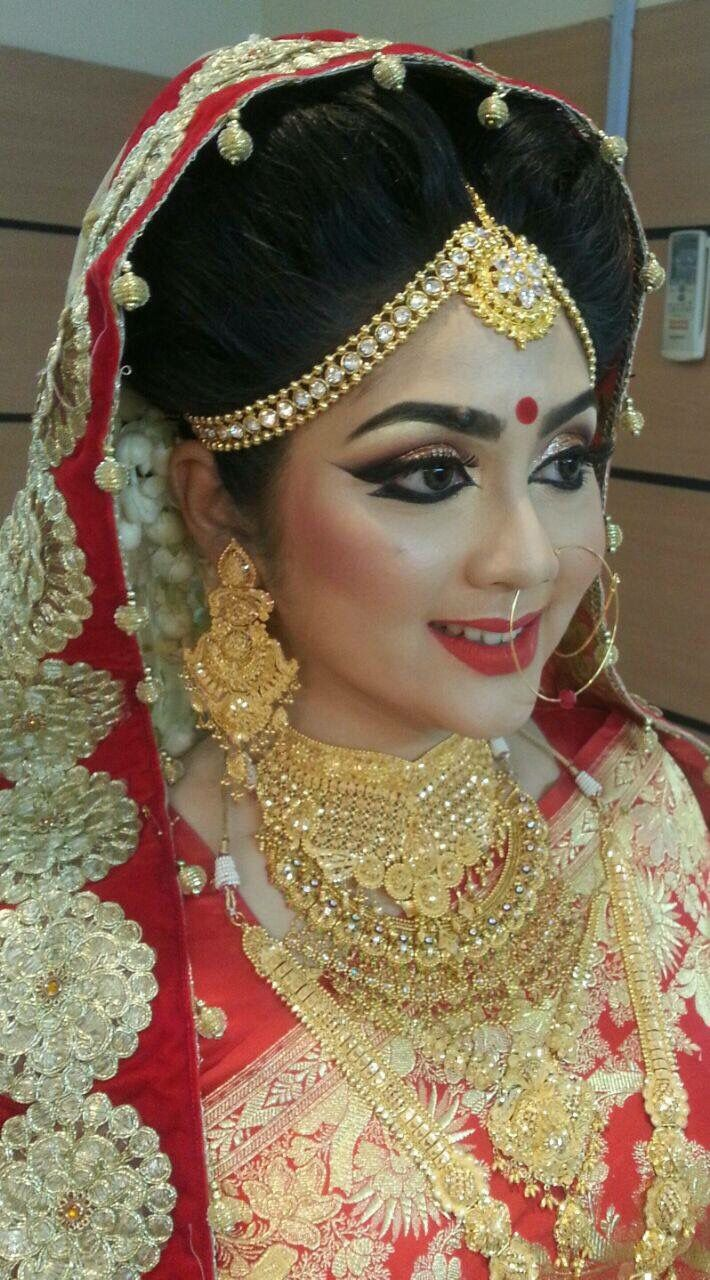Bengali bridal gold jewellery - Bengali Bride Bengali Wedding Indian Bridal Bridal Jewellery Wedding Jewelry Bridal Makeup Beautiful Bride Sculpting Wedding Dreams