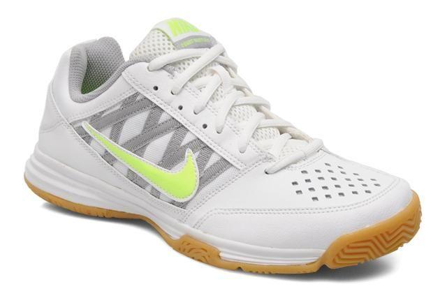 chaussure badminton nike